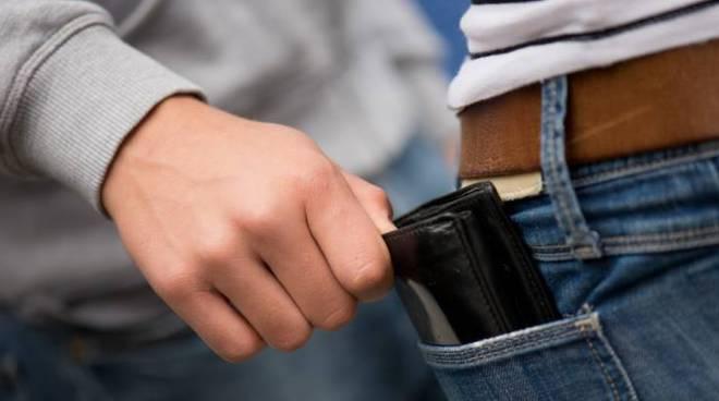 furto portafoglio