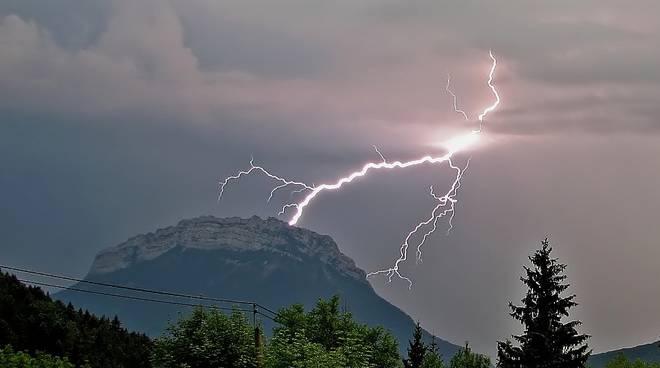 temporale fulmini allerta montagna