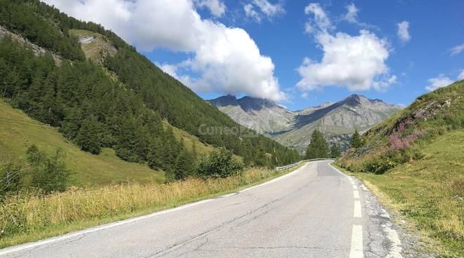 strada colle agnello montagna val varaita
