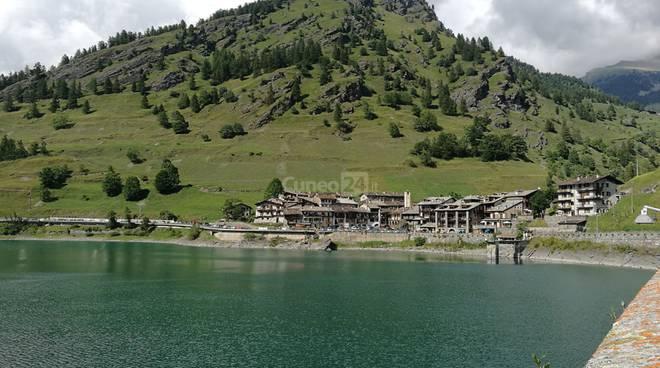 pontechianale lago frazione castello