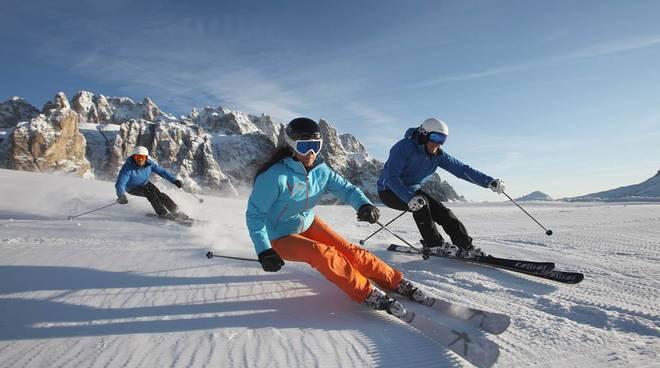 sci montagna sciare generica sciatori sciatore