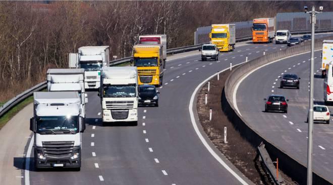 camion tir autostrada generica