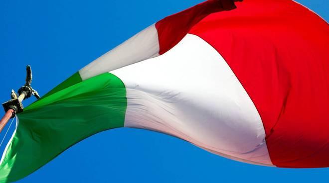 bandiera tricolore italia italiana