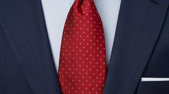 cravatta rossa