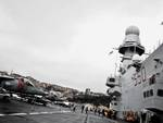 Nave portaerei Cavour a Genova