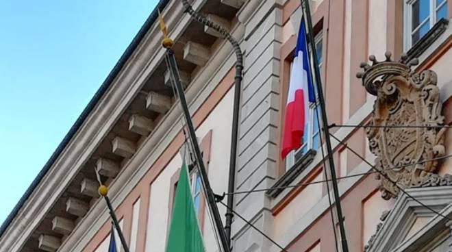 bandiera francia cuneo