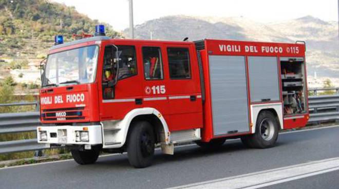 vigili-ambulanza-carabinieri-polizia-8570