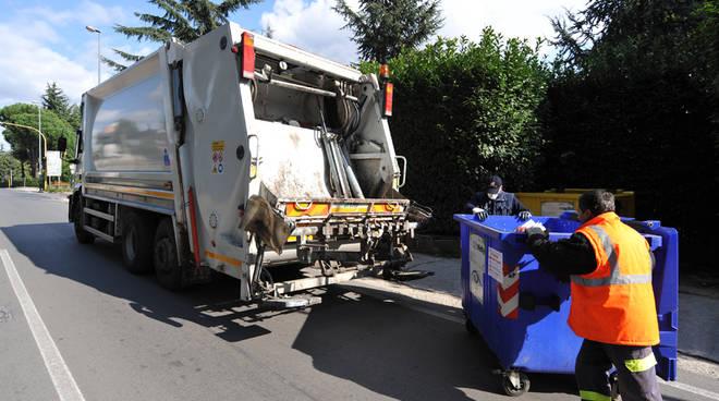 camion rifiuti spazzatura
