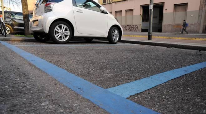 parcheggio strisce blu pagamento