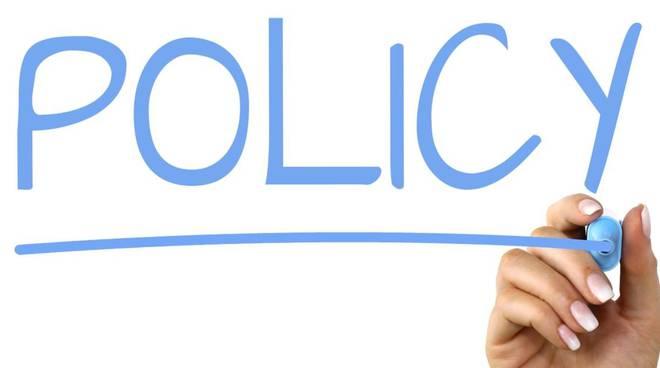Policy commenti