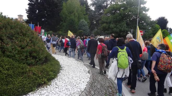don-luigi-ciotti-alla-marcia-della-pace-cuneo-16270