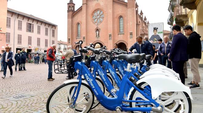 bicicletta duomo alba