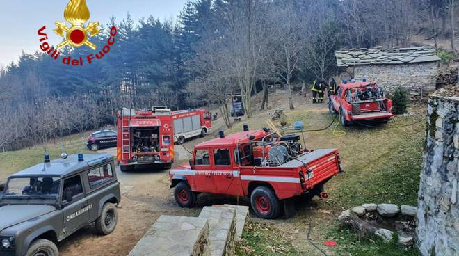 incendio envie vigili del fuoco