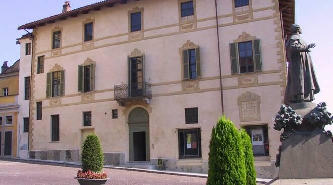 Palazzo Mathis Bra
