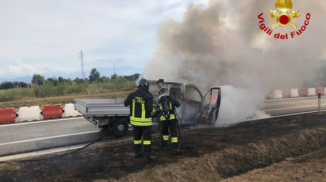 Incendio furgone A33 9 settembre 20