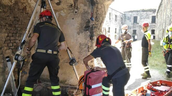 Donna in un fossato a Limone Piemonte