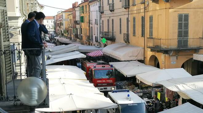 Fossano esercitazione antincendio al mercato