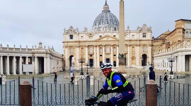 Giuseppe Roffinella in bici fino a Roma