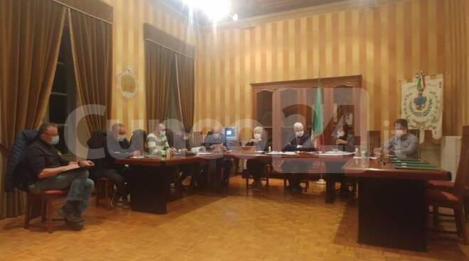 consiglio comunale peveragno senza minoranza ottobre 2020