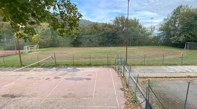 Campo da calcio Viola pista auto