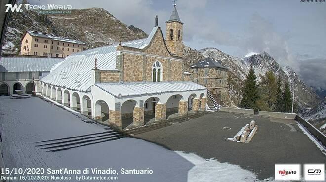 Santuario Sant'Anna di Vinadio imbiancato