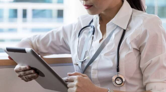 dottoressa medico donna