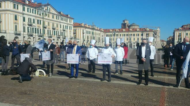 flash mob confcommercio cuneo