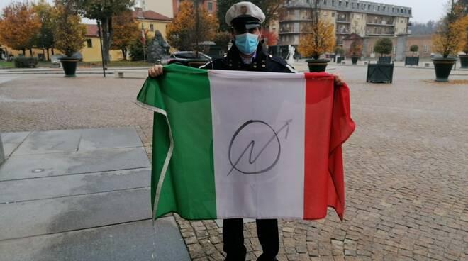 Tricolore vandalizzato Racconigi