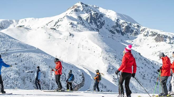 Prato Nevoso sci sciatori