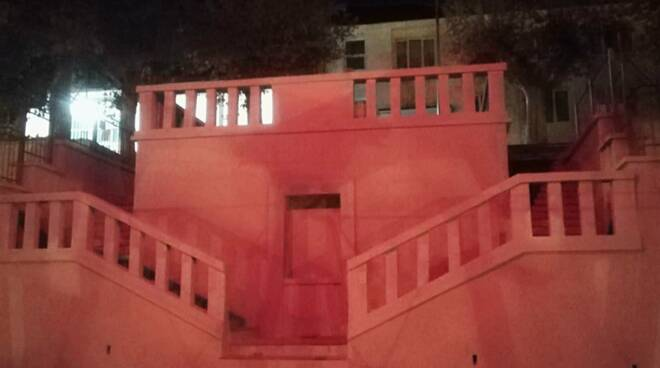 San Michele Mondovì scalone rosso