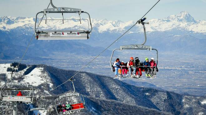 Prato Nevoso sci impianti sciistici e sciatori