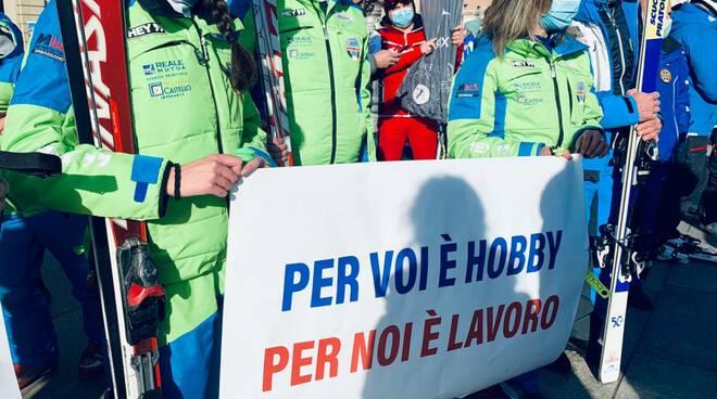 protesta maestri sci