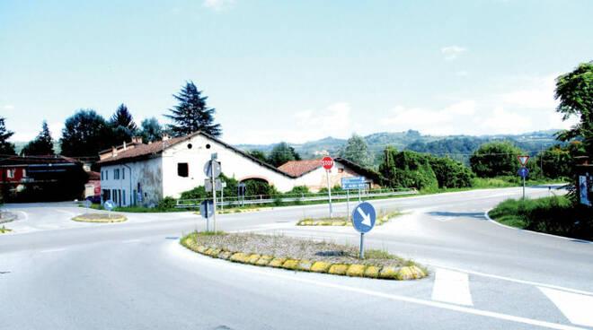 rotatoria via Stazione a Carrù