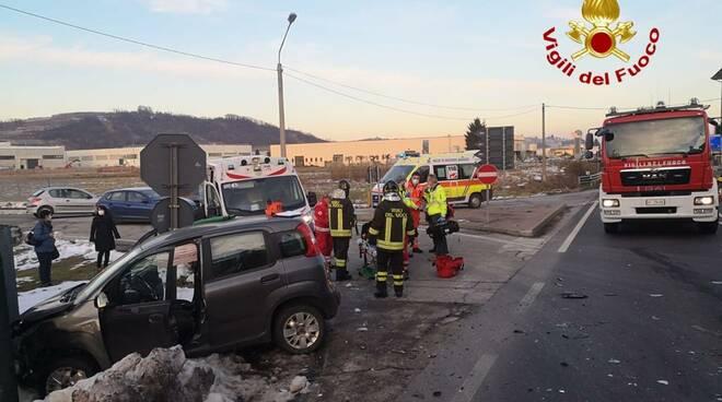 incidente stradale ss231 monticello d'alba
