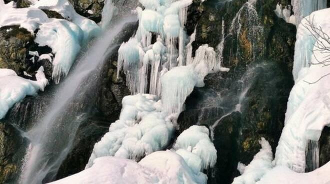 Cascata sotto Pian del Re immagine di Elena Cischino