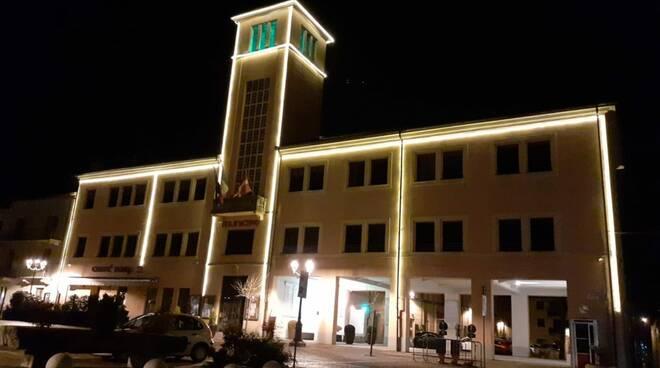 boves palazzo comunale illuminato patrick zaki