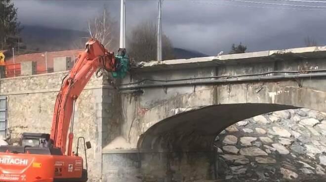 abbattimento ponte Lepetit a Garessio