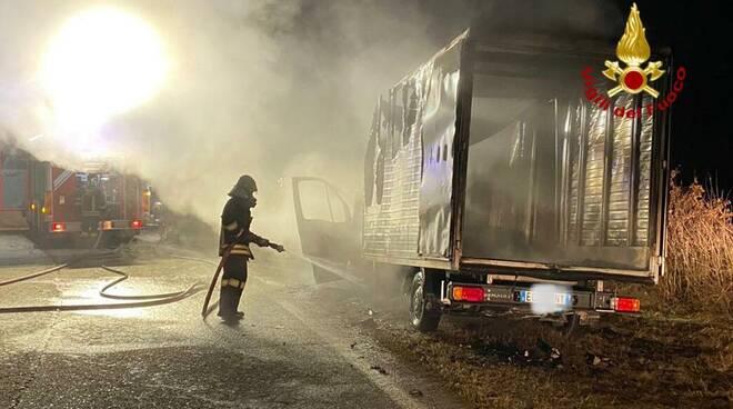 incendio furgone ceresole d alba