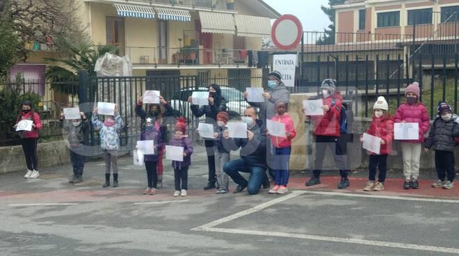 manifestazione contro dad peveragno