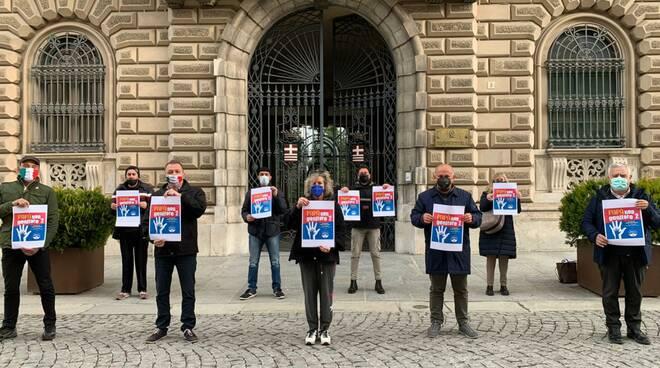 flash mob fratelli d'italia cuneo festa papà 2021