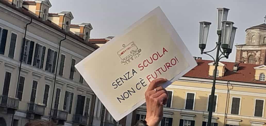 TorniAMO a scuola - manifestazione piazza Galimberti 21 marzo 2021