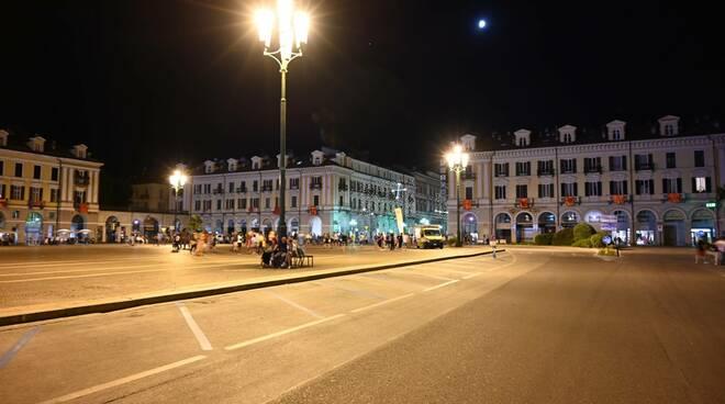 piazza Galimberti in notturna - scatto Bruno Rinaudo