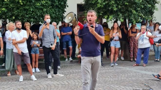 Cuneo manifestazione contro Green Pass